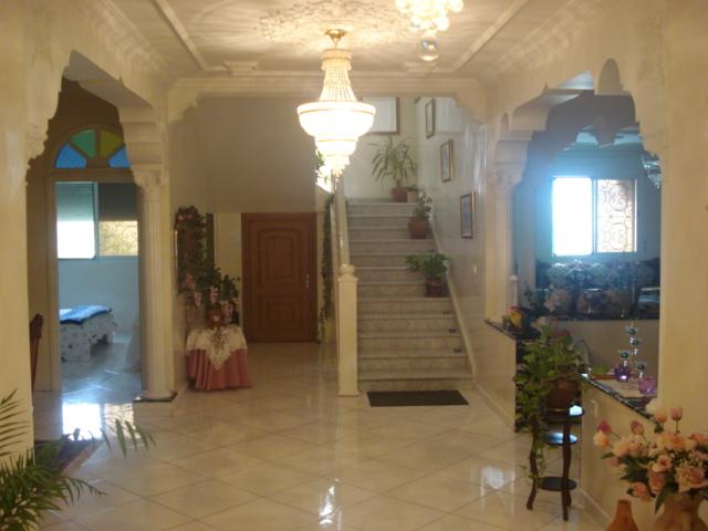 Nouraine immobilier magnifique villa a tetouan r f for Chambre de commerce tetouan